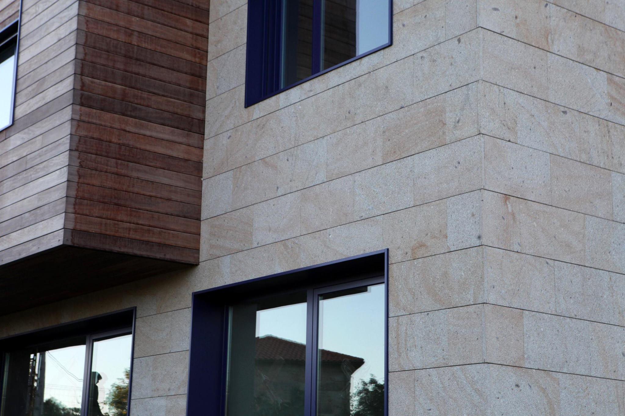 Fachada, Fachada de pedra, fachada com subestrutura, suportes e ancoragens para fachadas